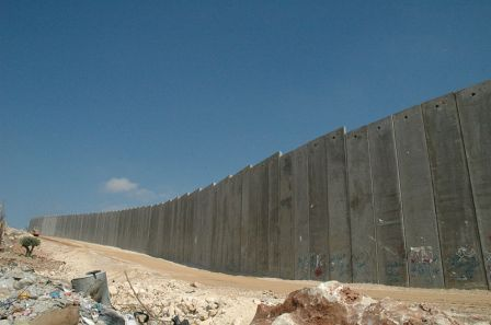 800px-Israeli_West_Bank_Barrier.jpg